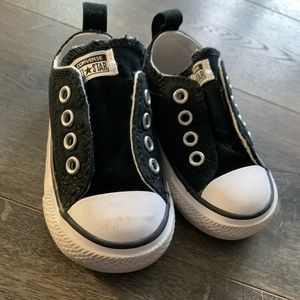 Toddler converse shoes size 4